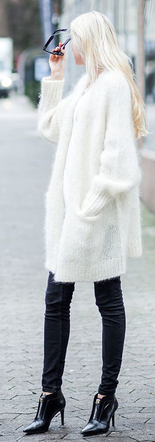 White Oversize Knit Cozy Cardi