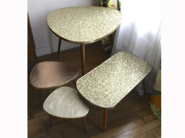 Table gigogne a paillettes
