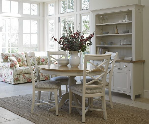 white painted dining room furniture. a bubbly life how to paint a