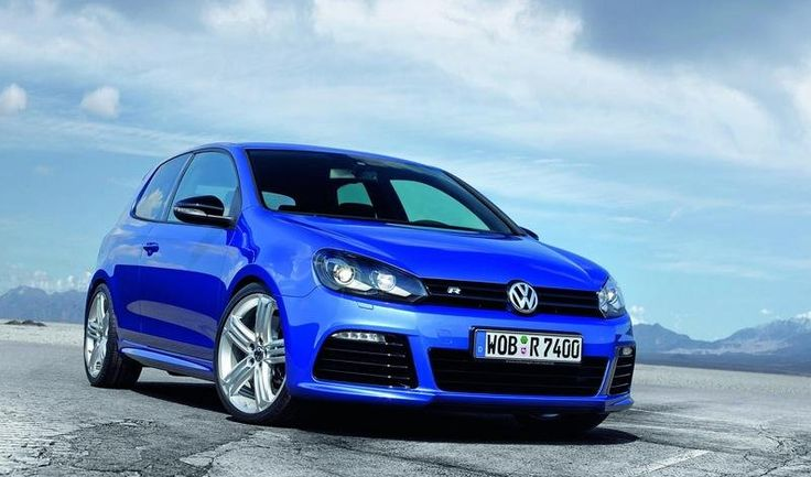 2010 Volkswagen Golf Owners Manual –The 2010 Volkswagen Golf/TDI seems much more high end than its rivals, and the diesel's outstanding energy economy is an unpredicted benefit in the course. The publishers at TheCarConnection.com have powered the 2010 Volkswagen Golf to take you...