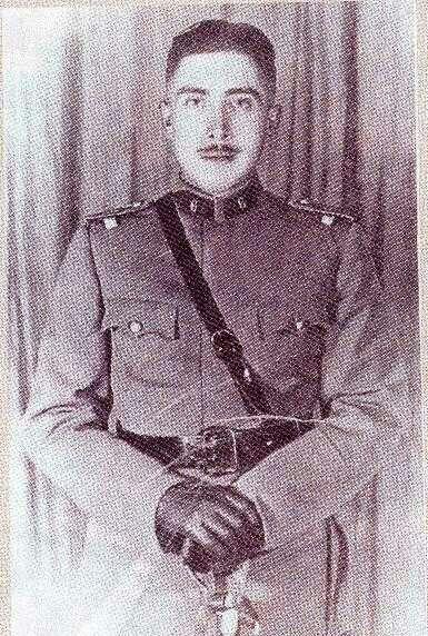 Augusto Pinochet Ugarte en epoca de cadete