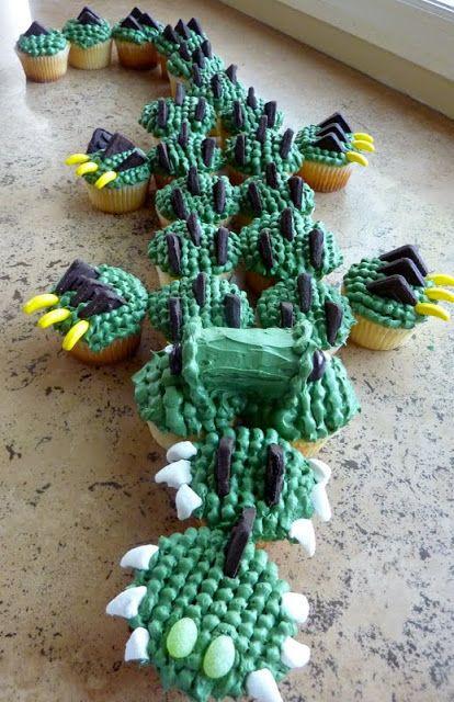 beurrista: alligator cupcakes