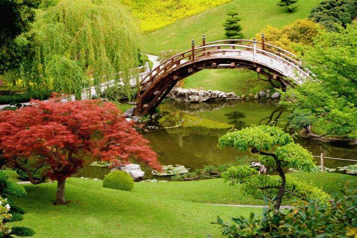 Japanese garden at Huntington Gardens in San Marino, California