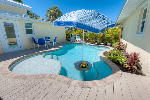 Holmes Beach Vacation Rental Coconut Cottage Unit 3