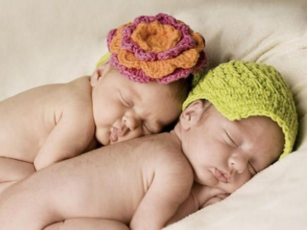 Some of our favorite user-submitted crochet crafts.Crochet Ideas, Newborns Hats, Crocheted Baby Hats, Crochet Baby Hats, Crochet Hats, Crochet Crafts, Baby Girls, Baby Photography, Twin Boys