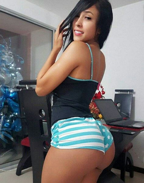 Sexy teen girls in booty shorts
