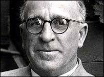 Frank Foley used his position as the Head of the British Passport Control Office in Germany to save the lives of nearly 10,000 German Jews by issuing fake visas and obtaining forged passports, as well as protecting Jews by hiding them in his home. #DontStandBy