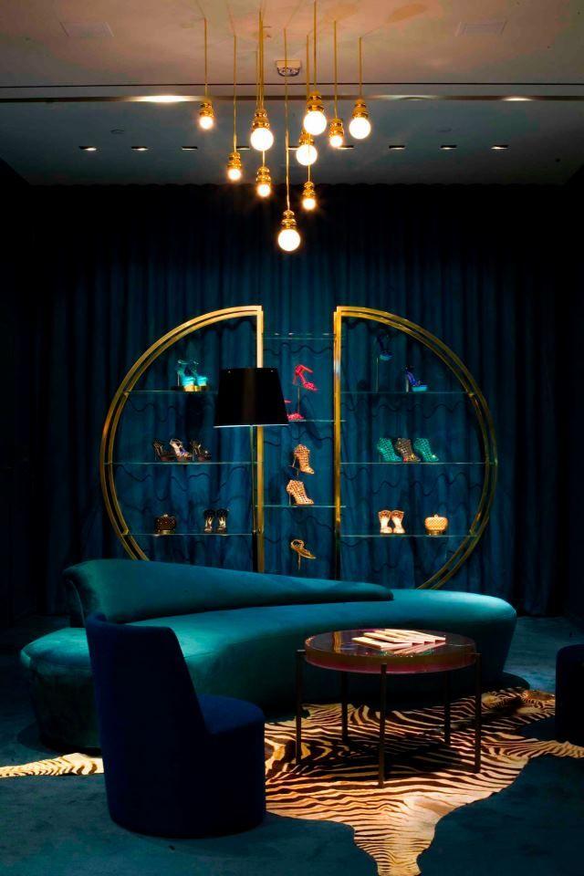 sergio-rossi-new-boutique-in-las-vegas-1372778281-0.jpg (640×960)