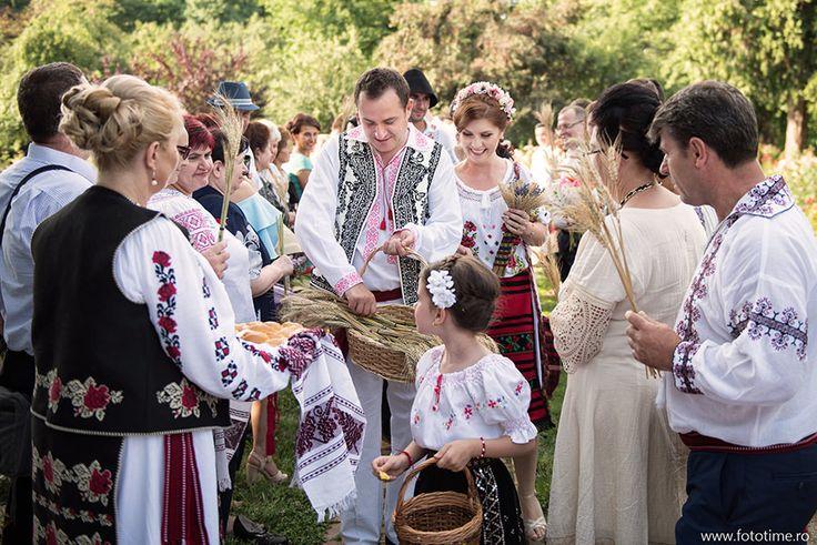 Este bine sa facem sedinta foto din ziua nuntii la Muzeul Satului? Desigur, daca nunta sau sedinta foto are specific traditional romanesc
