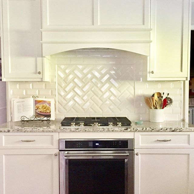 1000 images about our new kitchen on pinterest stove for Shaker style kitchen hoods