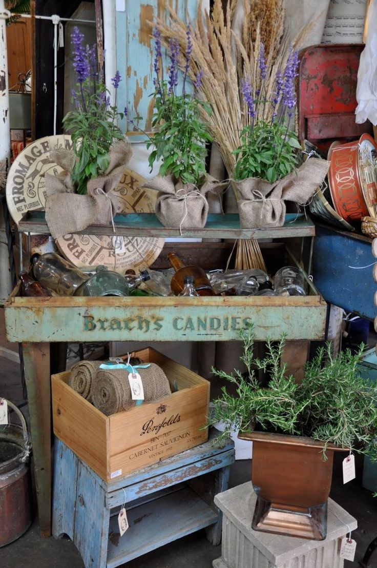 add a bit of greenery...: Burlap, Garden Sheds, Booths Display, Gardens Inspiration, Color, Gardening Antiques, Display Ideas, Fleas Marketing, Antiques Shops