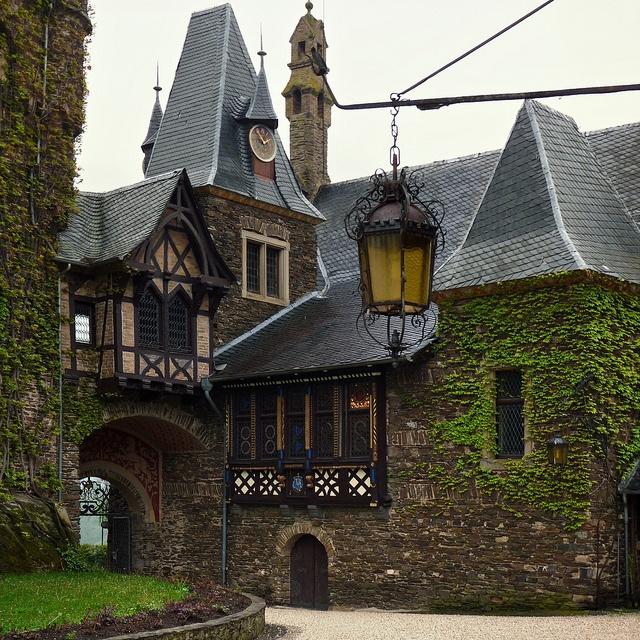 Cochem Castle Slate Roof, Germany | #inspiration #heritage #roofing