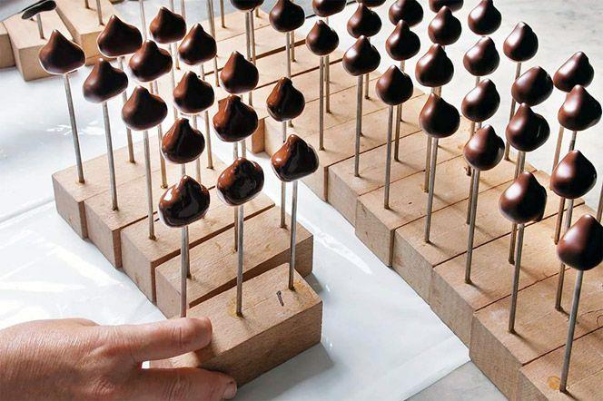 Romeo Viganotti's chocolate factory, Genoa, Italy. http://www.italianways.com/romeo-viganottis-chocolate-factory-sweet-temptations-from-genoa/