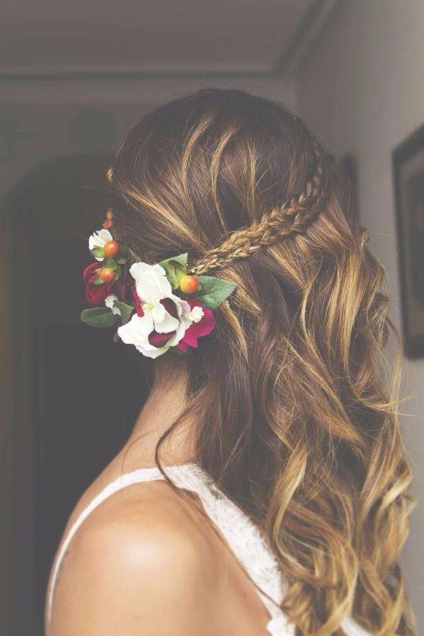 Penteado lateral para noivas boho