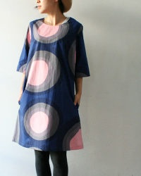 marimekko. This is one of those dresses which look so divine in these stylised poses but look like a big hessian sack when seen on my form at least. I still love it though.