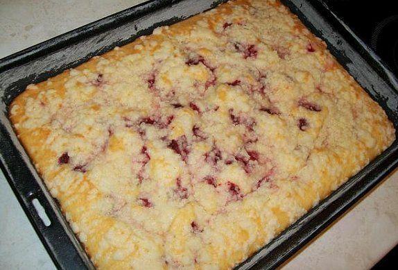 Výborný a rychlý borůvkový koláč s drobenkou