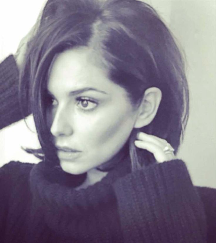But tapping into the new long bob trend, Cheryl debuted her new 'do (cut by Percy & Reed's Paul Percival) in March 2015 - and now we want her new hair, instead.