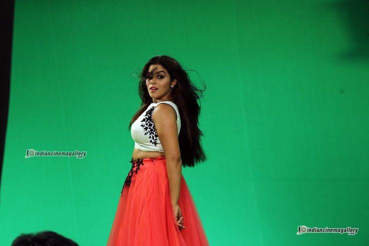 Shamna Kasim (Poorna) Photos including Actress Shamna Kasim (Poorna) Latest Stills