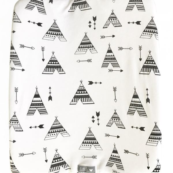 Black Teepee | 100% cotton knit fabric | Fits standard size change mat size of 56 x 46 x 12 cm (length x width x height)