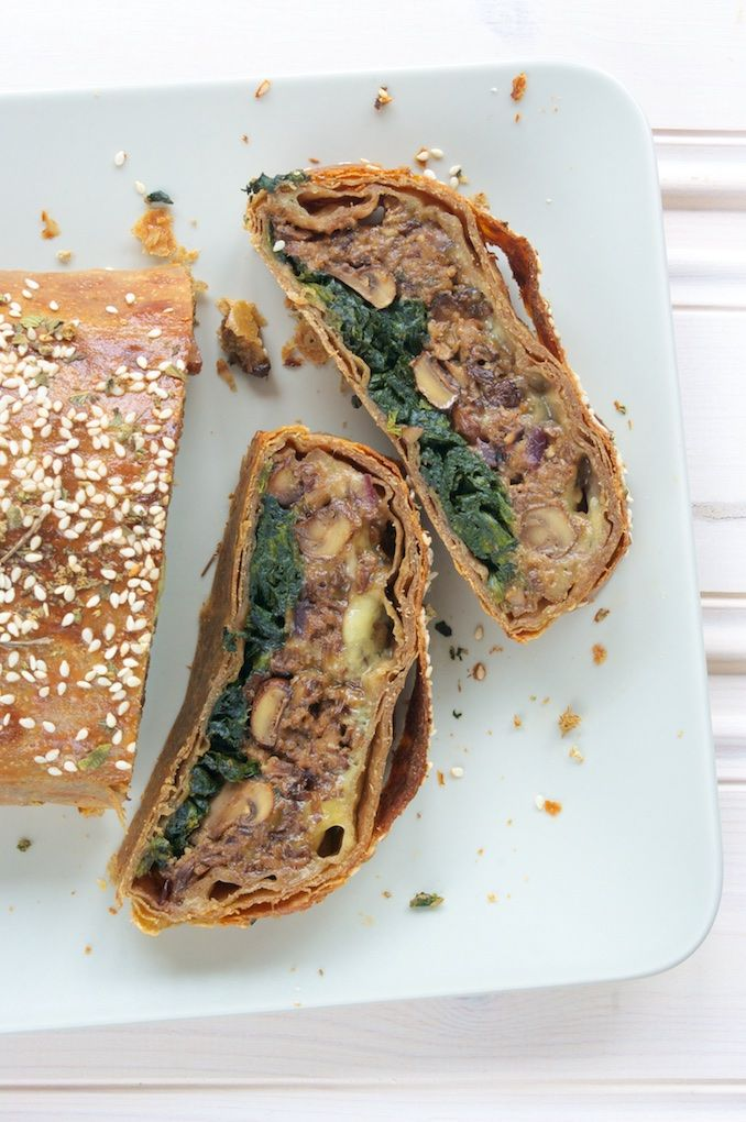 Mushroom & Spinach Wellington Recipe with Stilton Cheese & Spelt Pastry - elegant, delicious vegetarian dinner or entree, great for a vegetarian Christmas! ramsonsandbramble.com