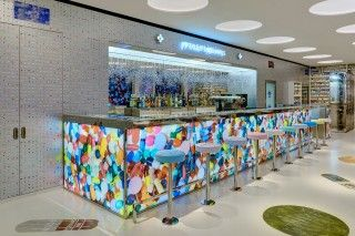 Damien Hirst Opens Art-Themed Restaurant in London