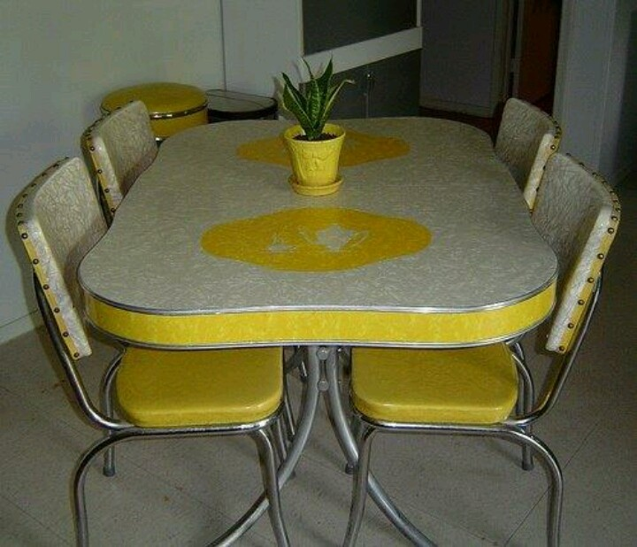 Retro kitchen table and chairs i want a 70 39 s kitchen pinterest retro kitchen tables - Charming images of retro style kitchen table and chair ...