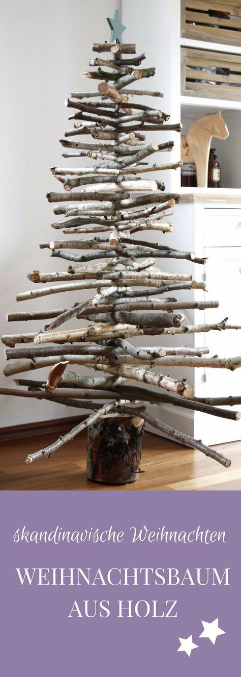 Kreativer Weihnachtsbaum: Für den Tannenbaum aus Holz benötigt man Äste in verschiedenen Größen und einen Baumstumpf. Auf dem Baumstamm wird der Weihnachtsbaum aus Holz nach und nach aufgebaut. Der Holz Weihnachtsbaum vermittelt ein Gefühl von skandinavische Weihnachten und ist eine tolle Weihnachtsdeko fürs Wohnzimmer. Der Holz Tannenbaum kann in jeder Größe gebaut werden.