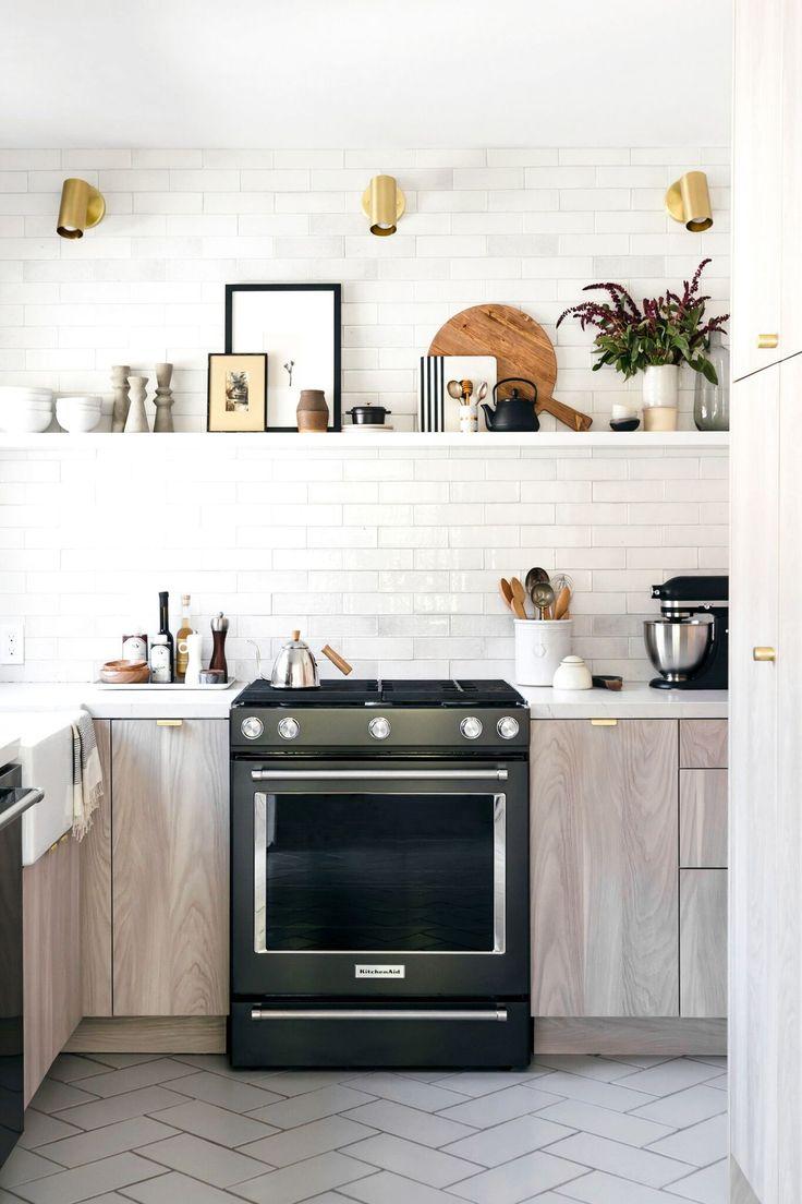 Small Kitchen made spacious - Light & Natural Kitchen