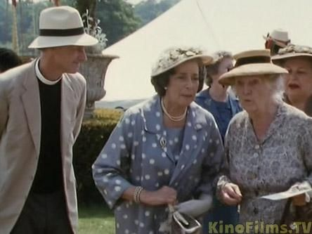 1992. The Mirror Crack'd from Side to Side.  Gwen Watford as Dolly Bantry, Joan Hickson as Miss Marple. (Miss Marple TV Series.)