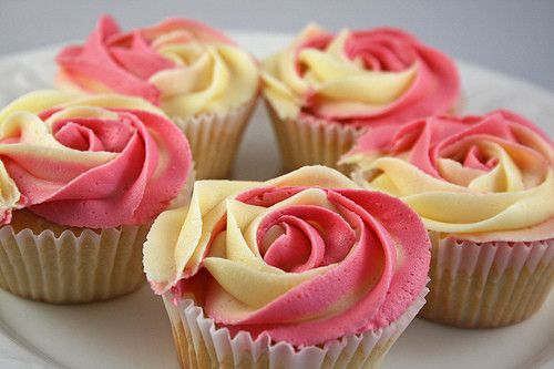 rose cupcakes: Cupcake Rosa-Choqu, Yellow Rose, Flower Cupcake, Rose Cupcake, Pink Rose, Cupcake Cakes, Weights Loss, Yellow Flower, Rose Petals