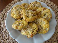 Škvarkové placičky   recept. Škvarkové placky jsou vítaným slaným pohoštěním při různých domácích oslavách. Hodí se k pivu