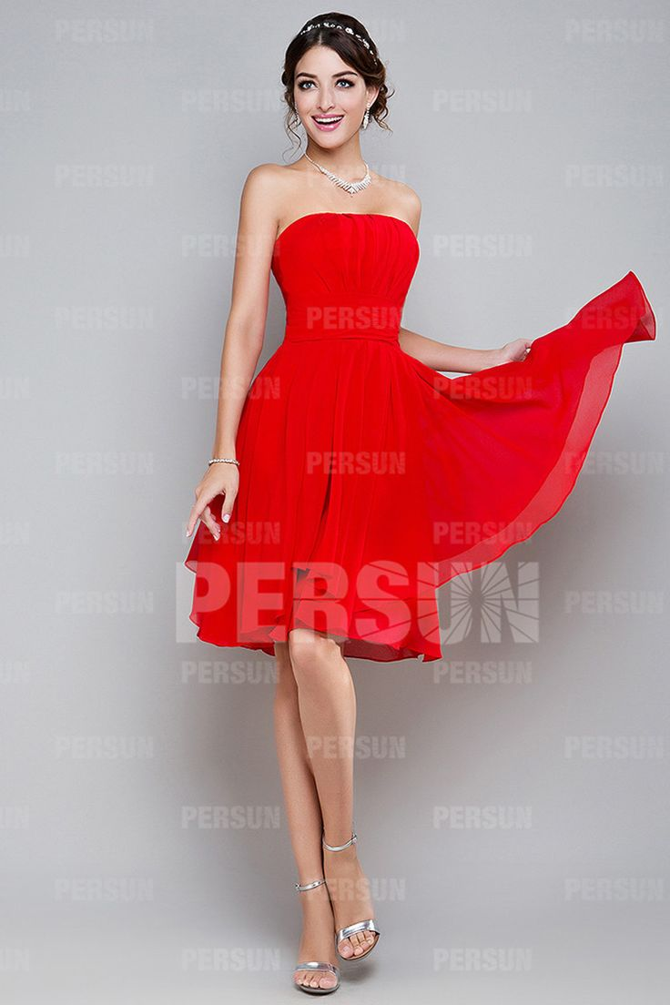 Robe rouge a petit pois blanc