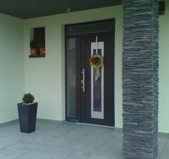 Vchodové dvere s HPL dvernou výplňou GAVA 912a
