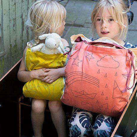 tolle Idee - Kinderbettbezug von Fabelab mit Außentasche und Bändel zum Zusammenschnüren