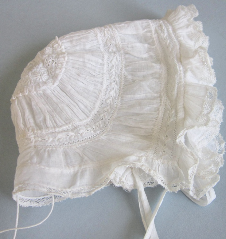 Antique HM Victorian AYRSHIRE Embroidered LACE Baby Bonnet RUFFLES * Christening