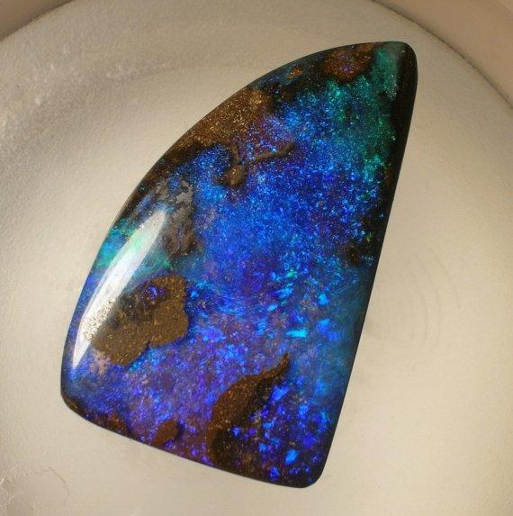 Queensland Bouler Opal