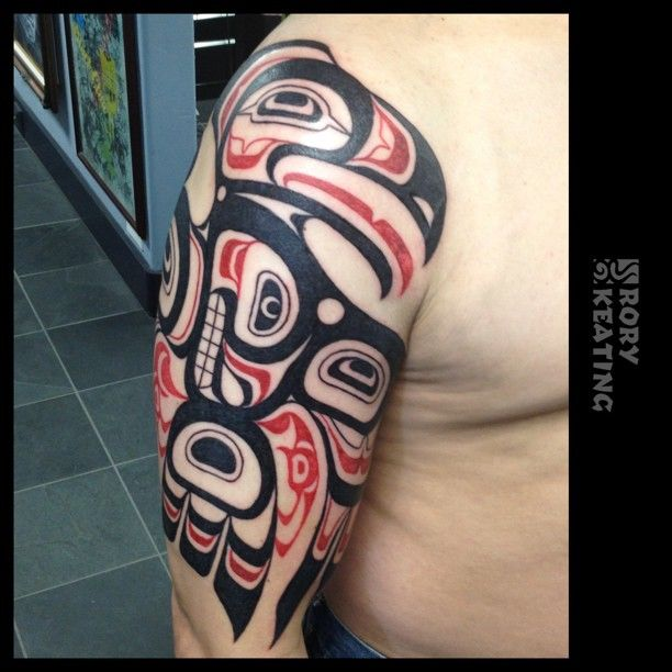 my haida style thunderbird bear crest tattoo by rory keating guru tattoo pacific beach san. Black Bedroom Furniture Sets. Home Design Ideas