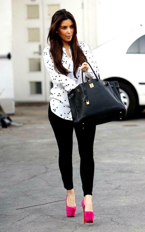 Kim Kardashian Leaving Leeds Matress Store in Los Angeles February 19 2012