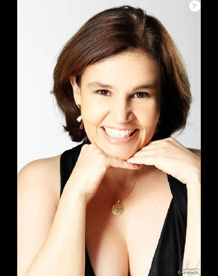 Claudia Rodrigues aluga seu apartamento por temporada. Imóvel tem serviços de TV a cabo e Internet, além de ar condicionado e máquina de lavar