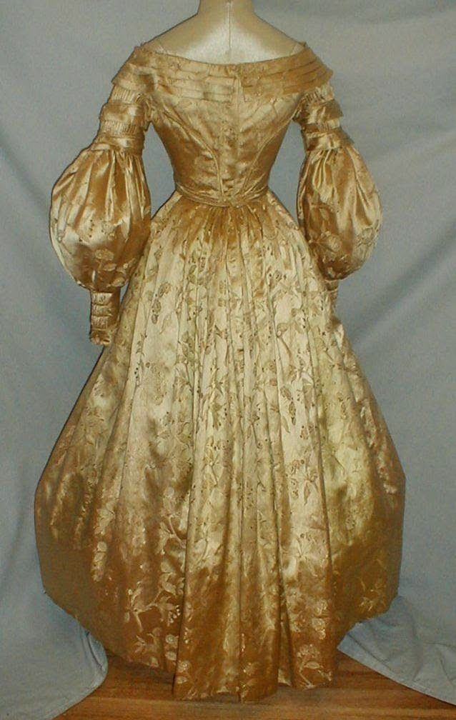 All The Pretty Dresses: 1830's Gold Brocade Dress