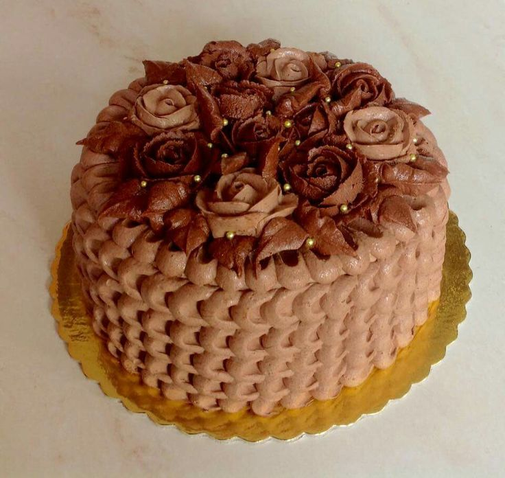 Autumn leafs and choco roses cake