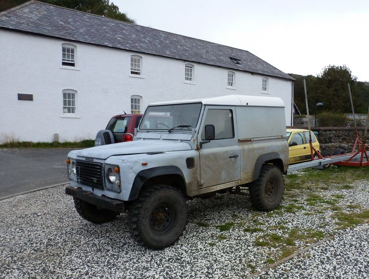 https://flic.kr/p/FGMWwS | Old Defender Land Rover | No number plate needed on an island the size of Rathlin!