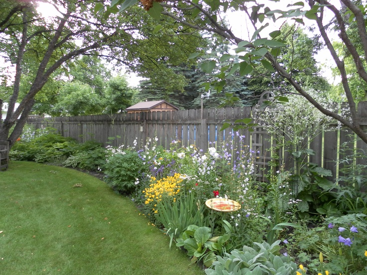 11 best images about privacy fence ideas on pinterest for Garden along fence
