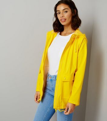 """Petite. Make this matte anorak your go to cover up this season. Layer a white tee and blue jeans for a simple, stylish look.- Matte finish- Hooded design- Zip front fastening- Double pocket front- Drawstring hem- Simple long sleeves- Casual fit that is true to size- Nia is 5'5""""/165cm wears UK 10/EU 38/US 6 Petite size guide:UK size 4: Bust - 78cm, Waist - 60cm, Hips - 84cmUK size 6: Bust - 80cm, Waist - 62cm, Hips - 86cmUK size 8: Bust - 84cm, Waist - 66cm, Hips - 90cmUK size 1..."""