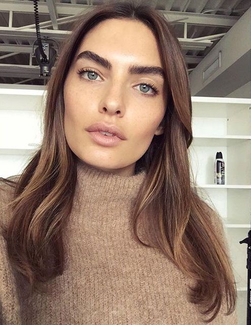 Bold brows - contour face or use tinted sunscreen. Fill in brows. Curl lashes. Vaseline on lids. Black mascara top & bottom. Nude liner on waterline.