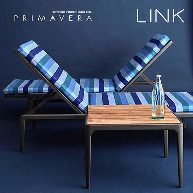 """BLUES SKIES AHEAD...Link Outdoors' flux low chaise captures the essence of sophisticated modernism -shown in a smooth Gun Metal powder coat finish that defines its fluid profile.- A seat cushion in Five Stripe Sky, 100% solution dyed acrylic, adds drama to its personality. #summer is here. The perfect #poolside #lounger #chair made of #powder #coated #aluminum #bone #white #silver #gunmetal #bronze #patina #antique bronze now at #primavera #interior #furnishings #showroom 160 pears avenue…"