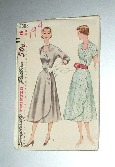 Simplicity pattern, size 12, bust 30, partially cut, unused, great condition, few small tears on envelope edge. Wonderful 1950s style,