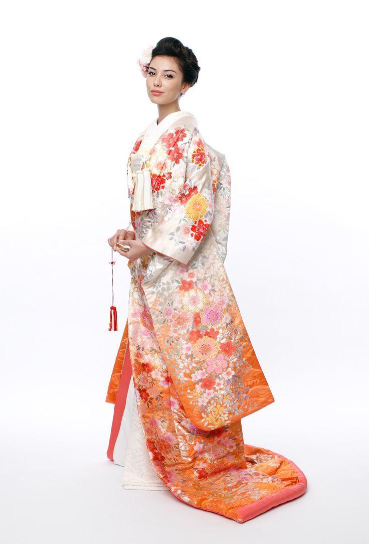 Japanese wedding dress kimono style