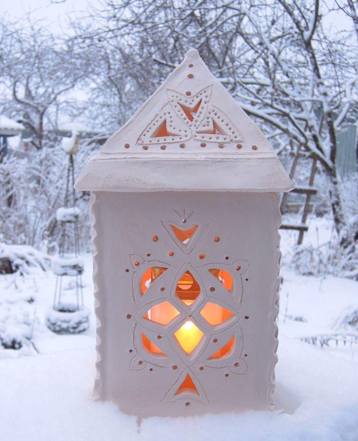 Käsin rakennettu kynttilälyhty
