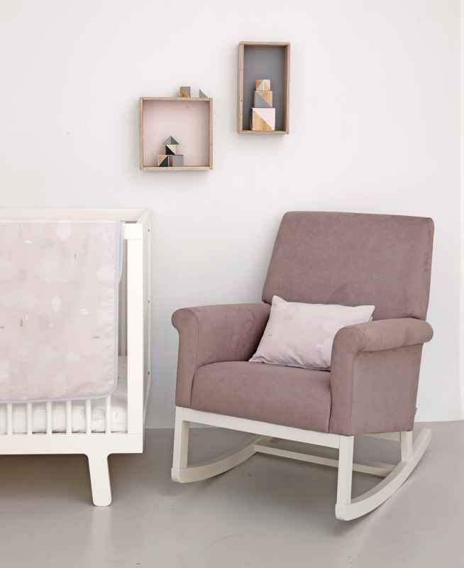 1000 ideas about nursing chair on pinterest glider. Black Bedroom Furniture Sets. Home Design Ideas
